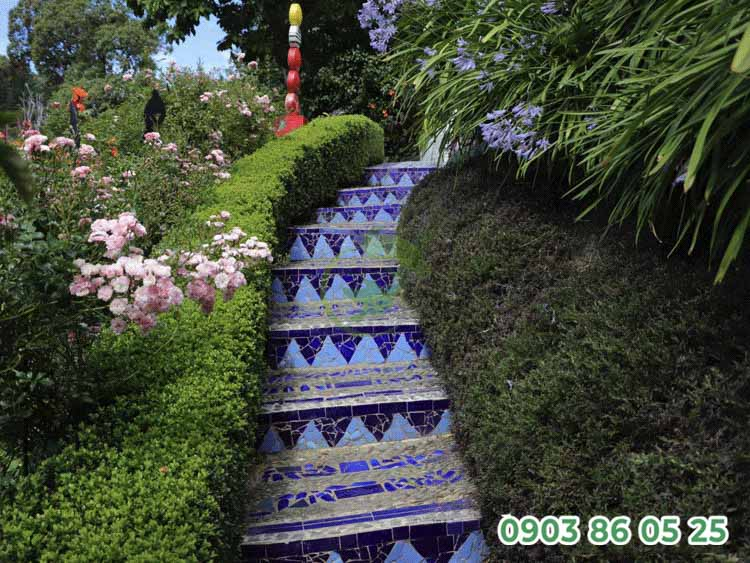 mau-loi-di-san-vuon-mosaic