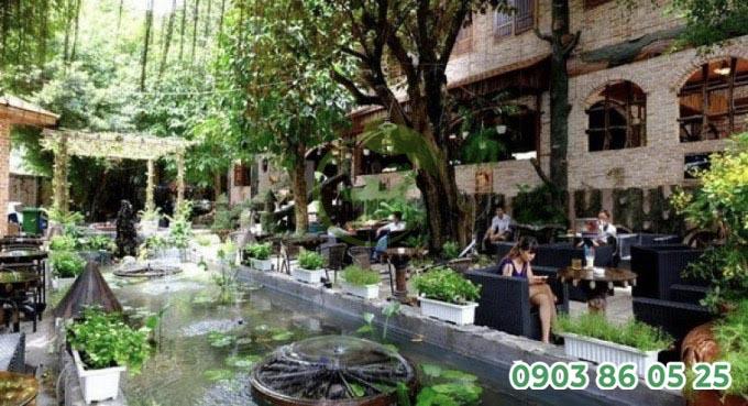 mau-thiet-ke-quan-cafe-san-vuon-nho-quan-1-phong-cach-hien-dai